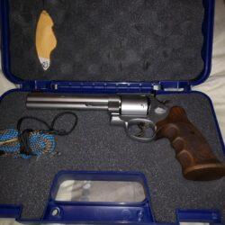 S&W revolver classic champinion